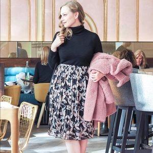 Dresses & Skirts - Dark floral print elastic waist plaited skirt - M